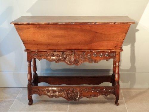 meuble d 39 appoint louis xv antiquit s sur anticstore. Black Bedroom Furniture Sets. Home Design Ideas