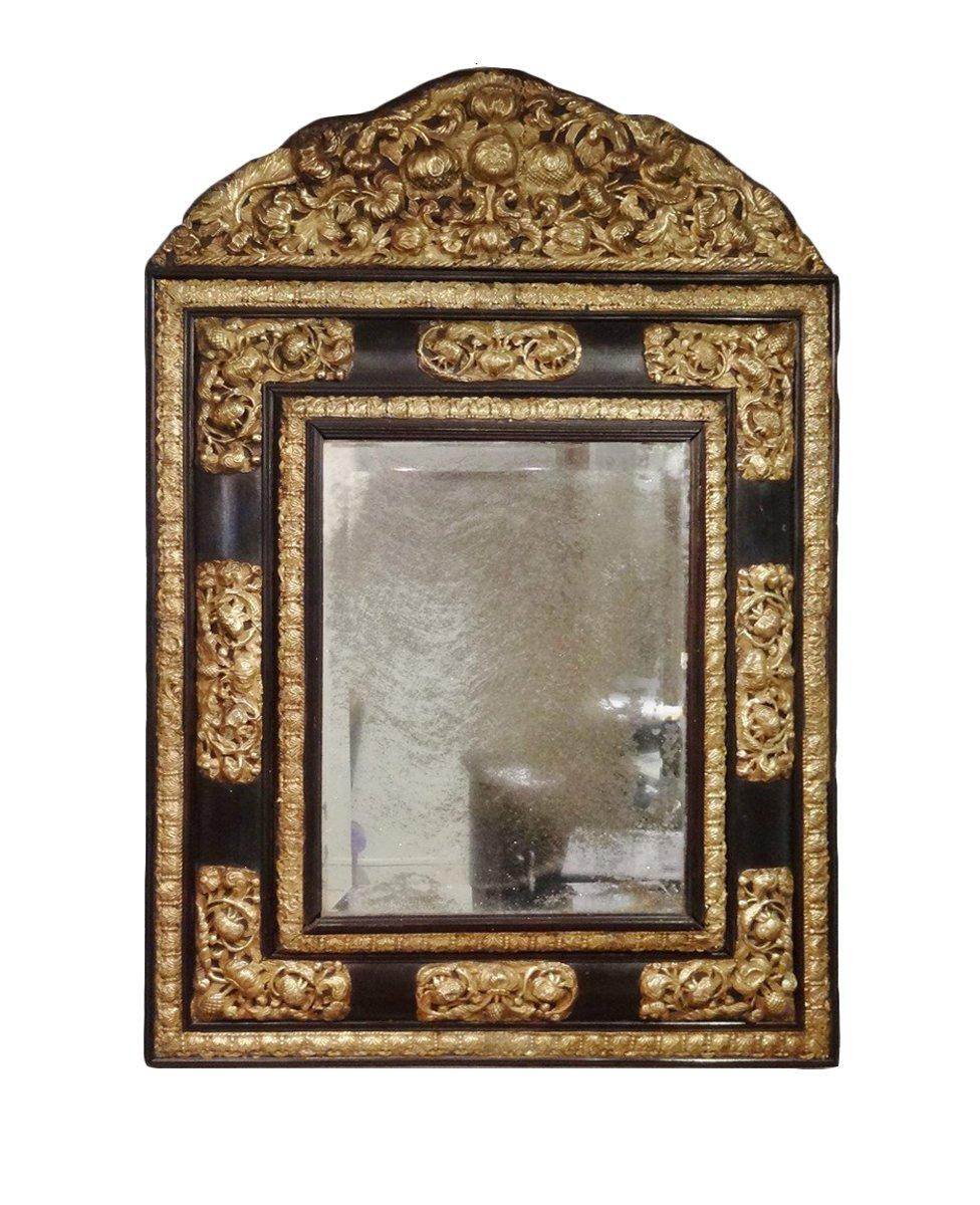 Miroir louis xiii en cuivre repouss xviie si cle for Miroir louis xiii