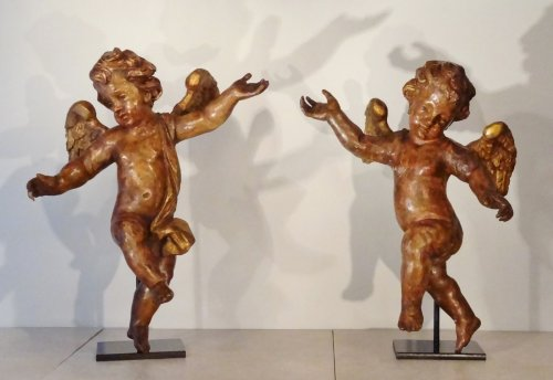 Pair of Carved wood and polychrome angels, France 17th century