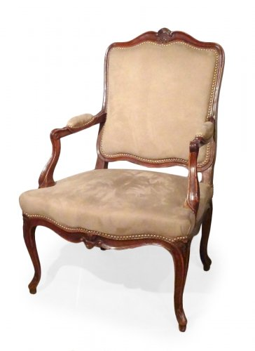 Louis XV armchair in walnut carved and molded 18th century