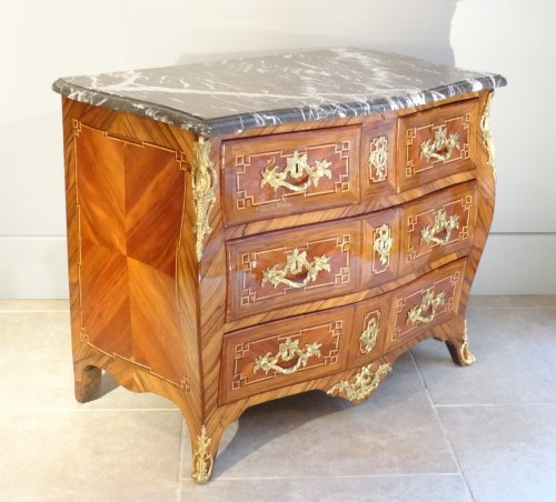 Small Louis XV 18th century chest of drawers - Furniture Style Louis XV