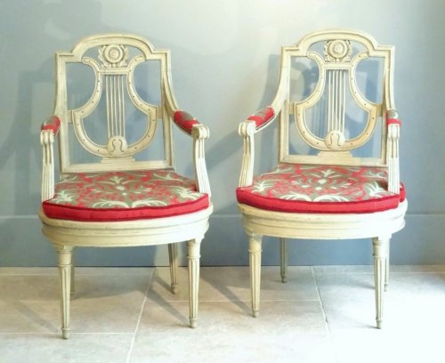 Antiquités - Pair of armchairs Directoire from early 19th century