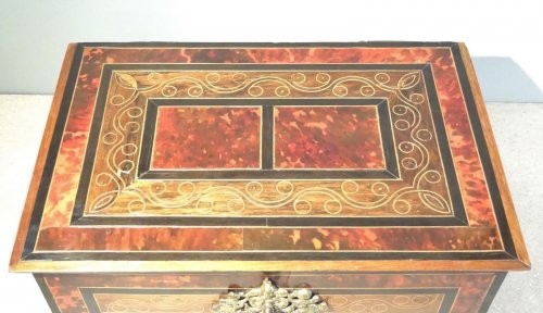 Chest in marquetry of scale 17th century -