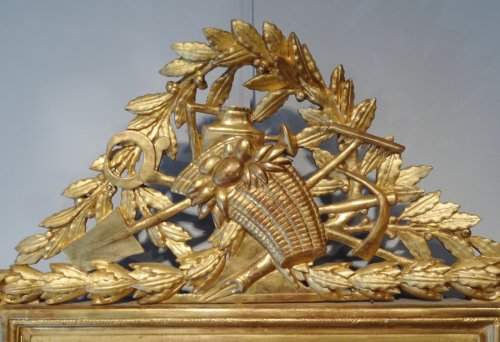 Louis XVI Mirror in gilded wood with attributes of gardener 18th century - Mirrors, Trumeau Style Louis XVI