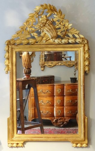 Louis XVI Mirror in gilded wood with attributes of gardener 18th century - Louis XVI