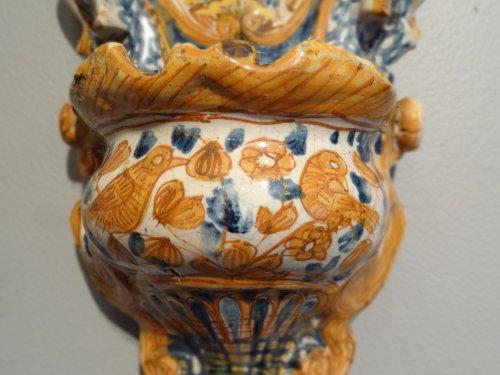 Porcelain & Faience  - Italian polychrome faience holy font 17th century