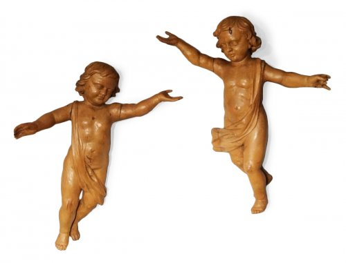 Pair of wooden angels carved 18th century