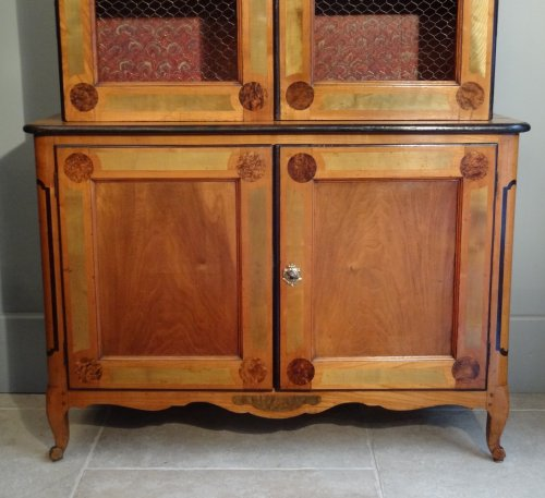 18th century - French Louis XV Bookcase by J-F. Hache (stamp and label) circa 1763