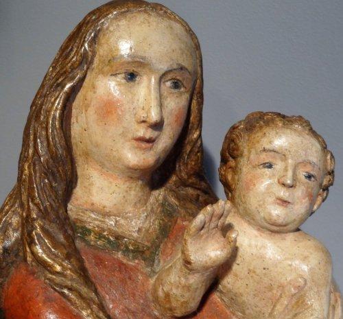 Renaissance - Madonna And Child carved wood around 1500-1520