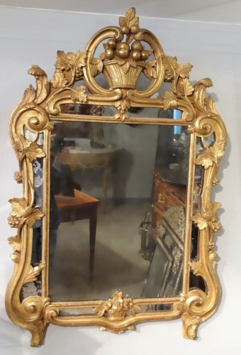 Louis XV - French  Louis XV giltwood Mirror