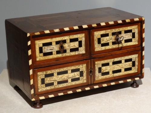 Furniture  - Small Spanish Cabinet of 17th century