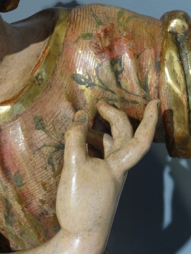 Antiquités - Child carved and polychrome 18th century