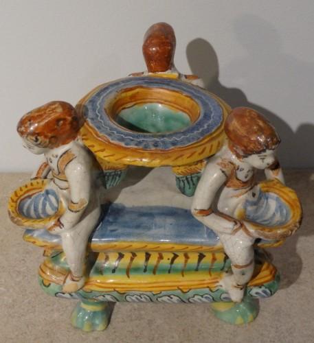 Porcelain & Faience  - Saleron en faïence italienne d'époque XVII°