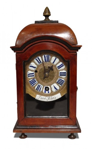 "Table clock signed ""Furet A Paris"", escapement ""Chevalier de Béthune"" 18th"