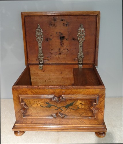 """French Box """"compagnonnage"""" Dated 1739 -"""