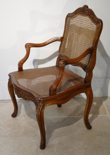 """French Louis XV """"cane"""" Armchair 18th century - Seating Style Louis XV"""