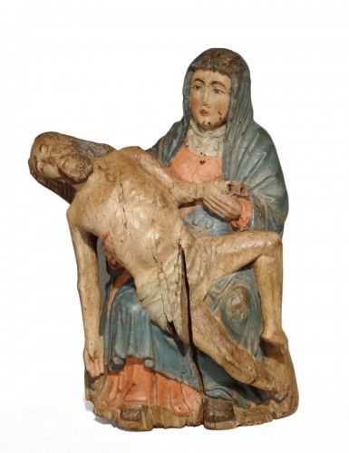 Pieta in carved and polychrome wood 15th century