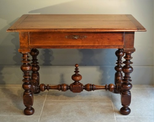 French Louis XIII Table Walnut - Louis XIII