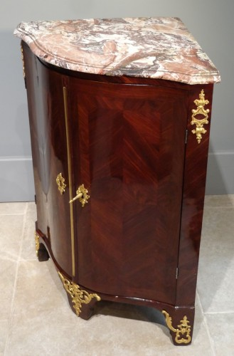 French Louis XV corner cabinet - Louis XV