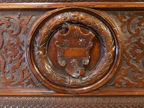 Antiquités - Italian Coffre / Cassone Florentine In Walnut 16th Century