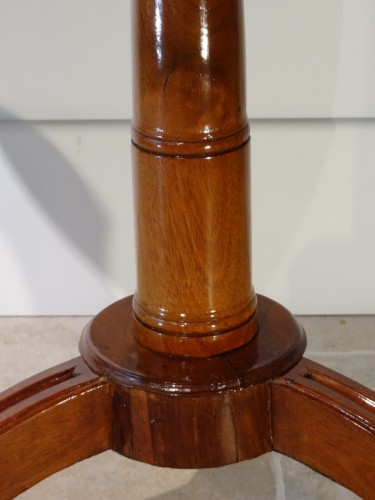 Louis XVI - French Louis XVI Pedestal table in Mahogany
