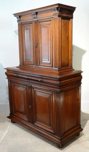Sideboard / Cabinet Renaissance Walnut Period Late 16th Century -