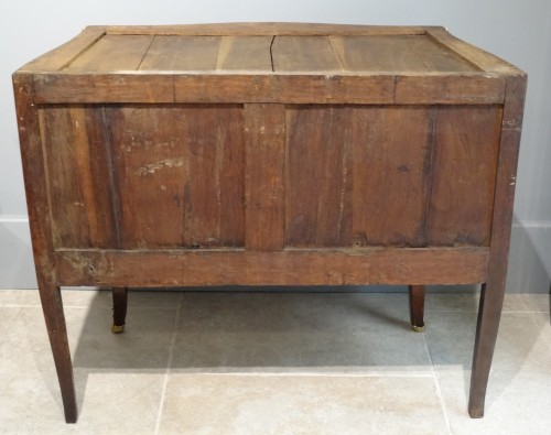 Small French Louis XV commode stamped BOUDIN - Louis XV
