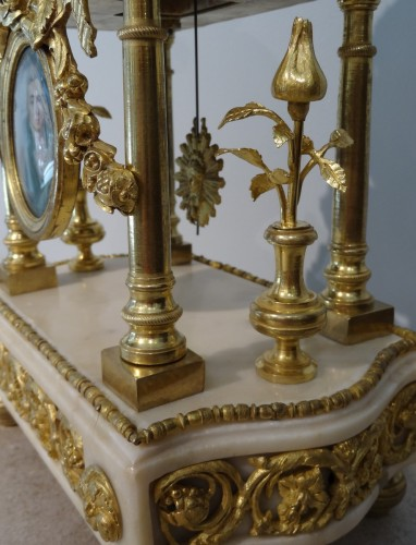 18th century - Late 18th Century French Portico clock