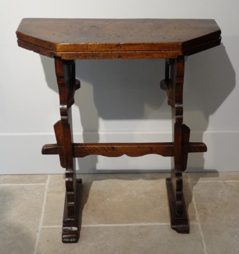 Furniture  - 17th Italian table with flap