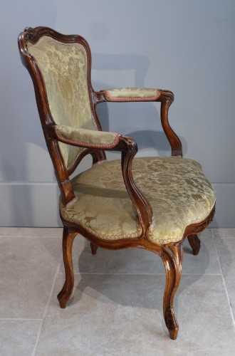 French Provincial (Lyon) pair of Louis XV Fauteuils  -