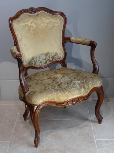 Louis XV - French Provincial (Lyon) pair of Louis XV Fauteuils