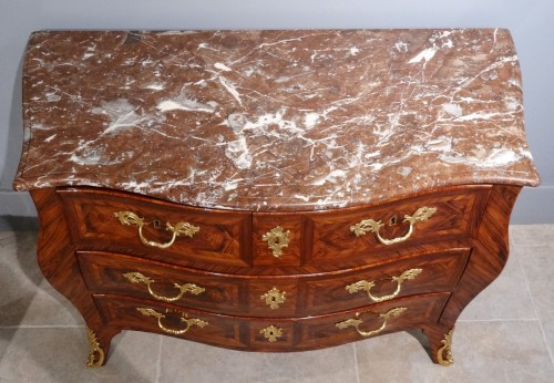 Antiquités - French Louis XV commode stamped I.M CHEVALLIER, 18th century