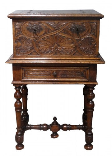 Small 17th Century Oak Chest