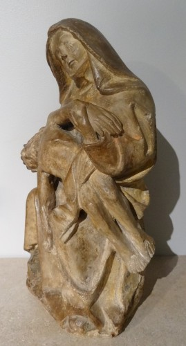 French 15th Century Burgundy Pieta, Carved Stone, - Sculpture Style Middle age