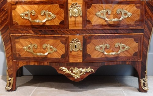 "French Louis XV commode stamped ""Sébastien VIE"" - Furniture Style Louis XV"