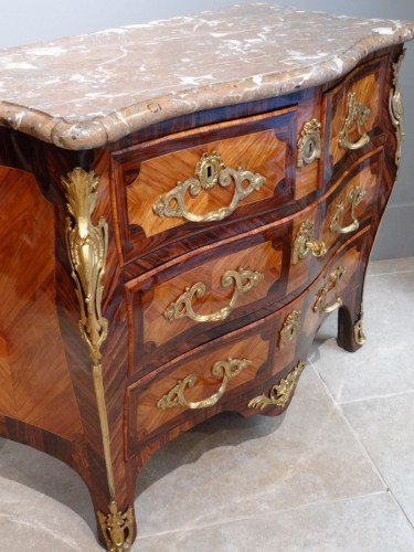 "French Louis XV commode stamped ""Sébastien VIE"" - Louis XV"