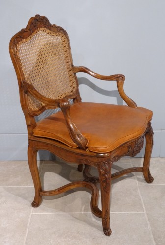 French Regence caned fauteuils, 18th century  - French Regence