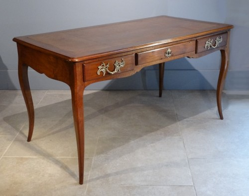 Furniture  - French provincial Louis XV Bureau plat