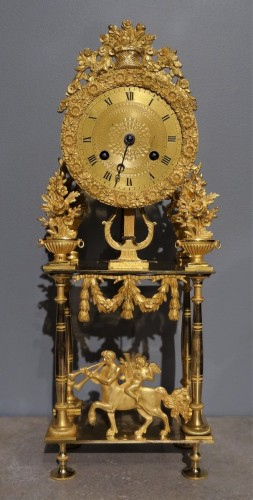 French Directoire clock in gilded bronze, early 19th century