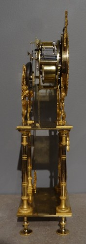 French Directoire clock in gilded bronze, early 19th century -