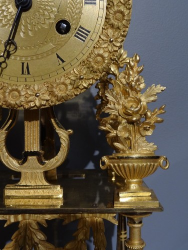 French Directoire clock in gilded bronze, early 19th century - Directoire