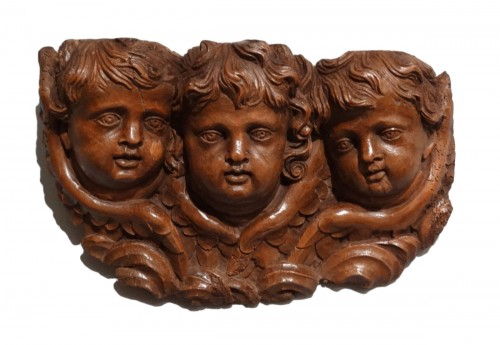 French Angels in carved wood, 17th century