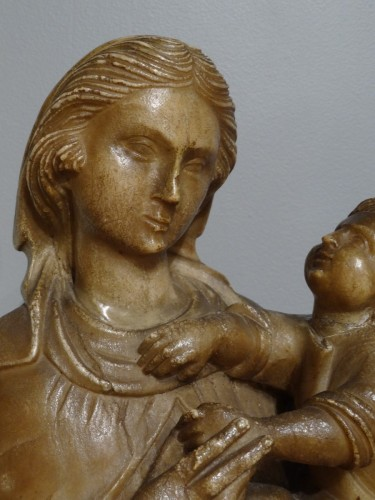 Virgin and Child carved alabaster Trapani, late 16th  -