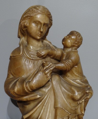 16th century -  Virgin and Child carved alabaster Trapani, late 16th