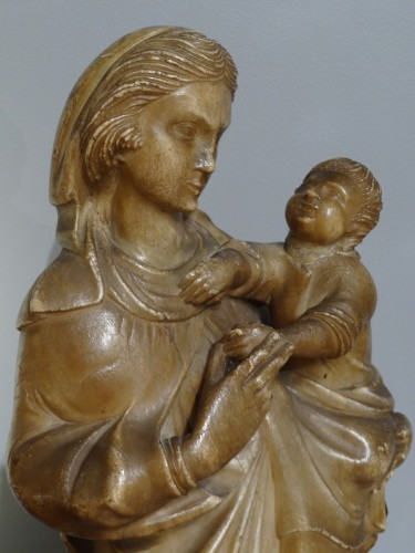 Louis XIII -  Virgin and Child carved alabaster Trapani, late 16th