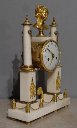 Early 19th century marble and bronze mantel clock - Clocks Style Directoire