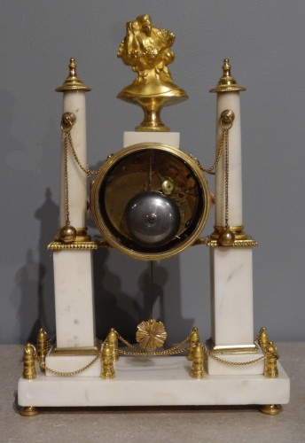 Early 19th century marble and bronze mantel clock -