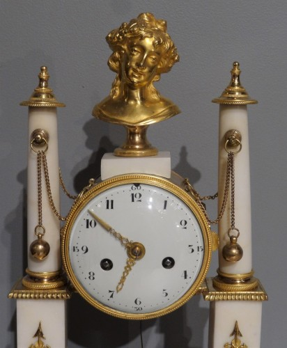 19th century - Early 19th century marble and bronze mantel clock