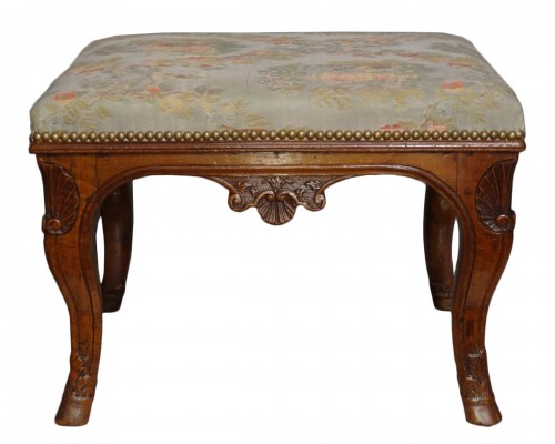 Early 18th century walnut stool