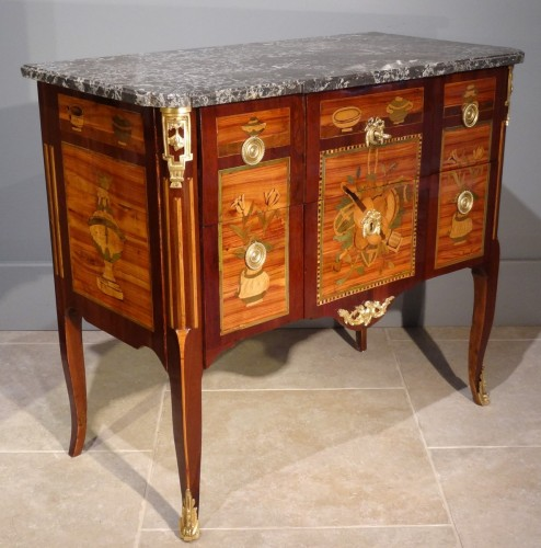 French Commode Transition Stamped J. Caumont 18th Century - Furniture Style Transition